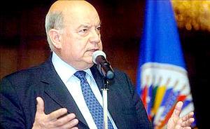 El secretario de la OEA es parte de la comitiva que este lunes llega a Honduras