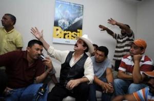 Zelaya en la embajada de Brasil