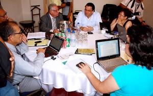 Los representantes del Diálogo Guaymuras durante las reuniones para el Acuerdo de Guaymuras.