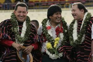 Festejo: el presidente Morales ríe junto a sus colegas de Venezuela y Nicaragua, el sábado en Cochabamba - Foto: La Prensa Bolivia