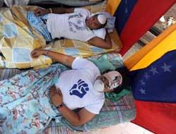 Huelga de hambre a las puertas de la sede de la OEA en Caracas