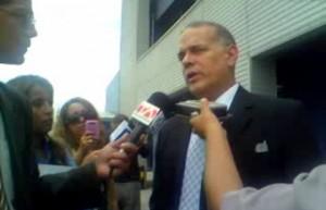 Alejandro Peña Esclusa durante las declaraciones a la prensa