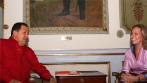Trinidad Jimenez junto a Hugo Chávez