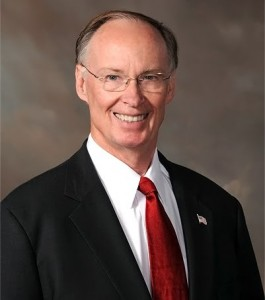 Gobernador Robert Bentley
